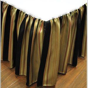 Austin Horn Classics Ravel Bedskirt King